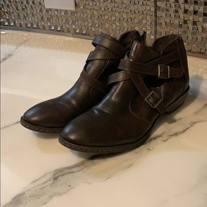 B.O.C brown Ankle Bootie worn once!